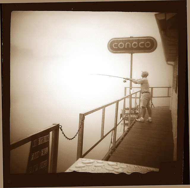 Conoco: Copyright Perry Roach