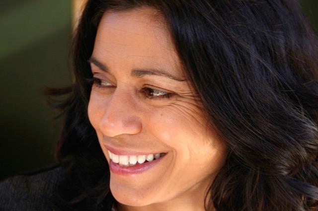 Toni Nealie