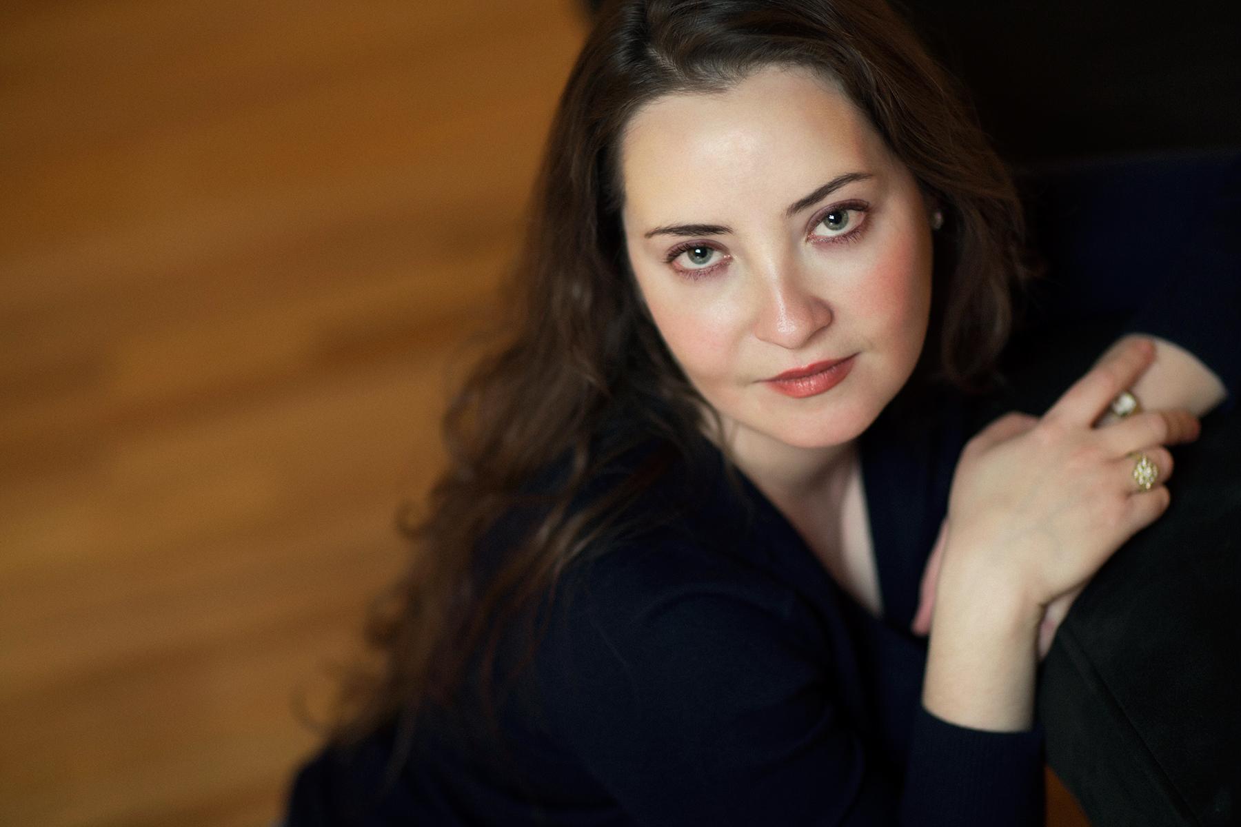 Olivia Clare author headshot